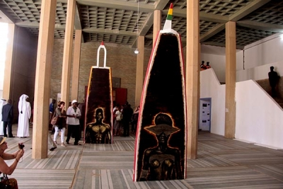 visite-exposition-internationale-de-la-biennale-le-re-enchantement-n-est-pas-loin-485637